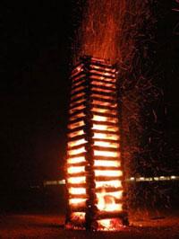 Osterfeuer in der Osternacht